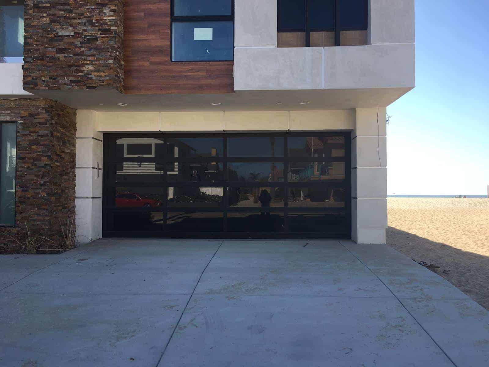 garage door opener installation in La Presa