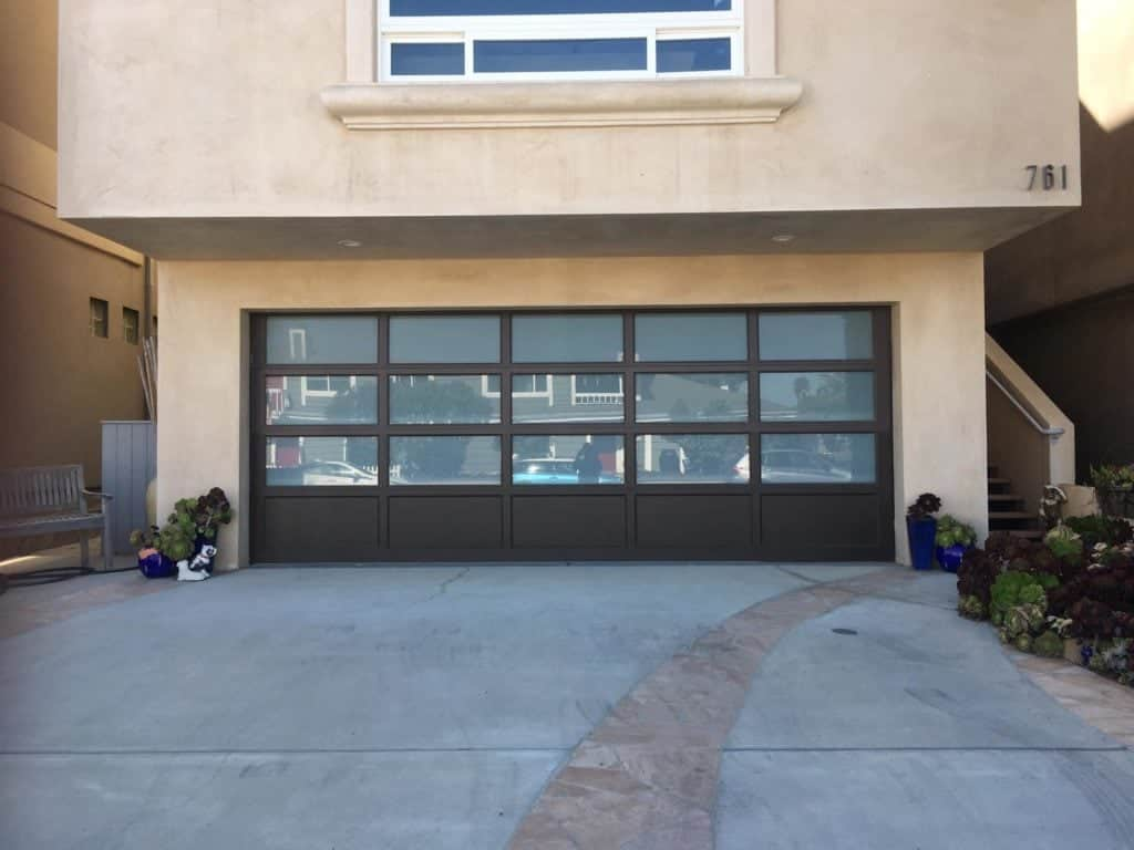 Farmington Garage door repair and replacement