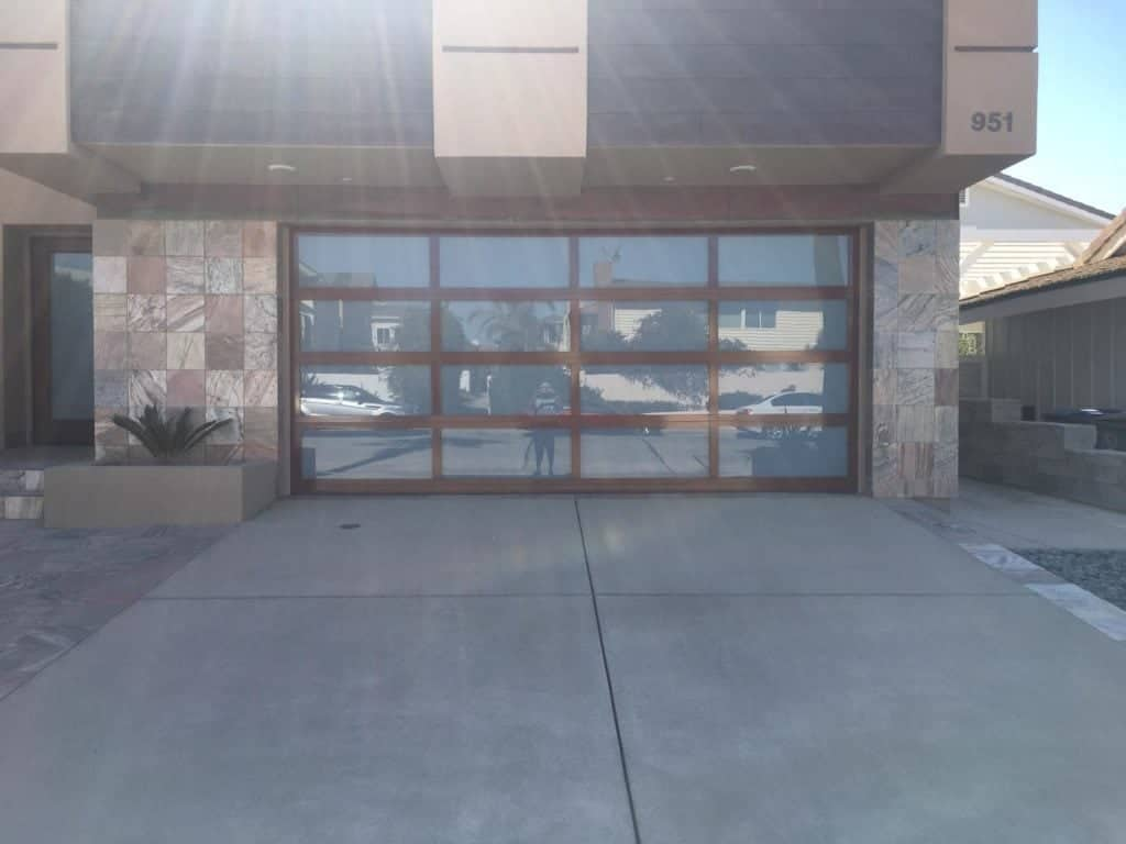 Lathrop Garage door repair and replacement