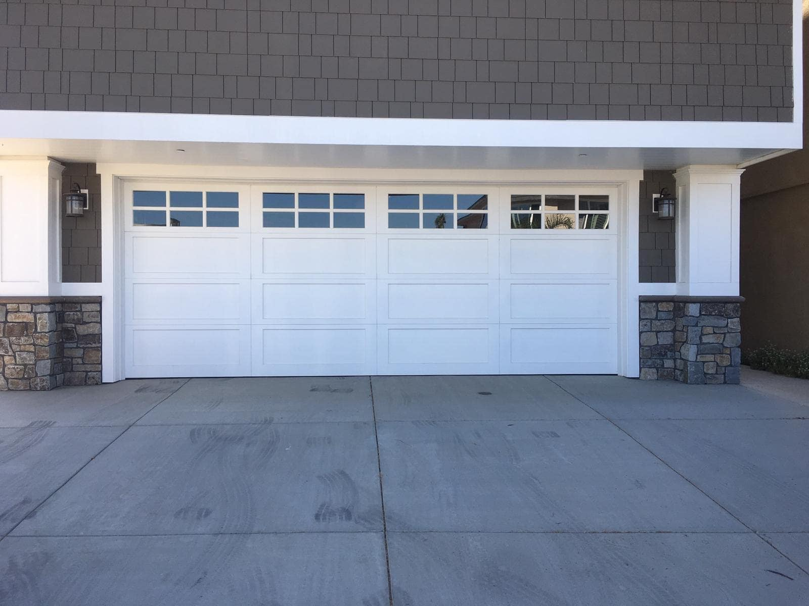 Tustin Garage door repair and replacement